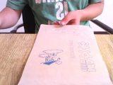 老师罚写100遍家庭作业,熊孩子居然用1分钟就完成了